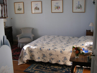 Bedrooms in inn bed and breakfast le fr ne chatelais for Chambre bleue film