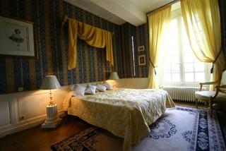 bedrooms in inn bed and breakfast ch teau du mesnil geoffroy ermenouville haute normandie. Black Bedroom Furniture Sets. Home Design Ideas